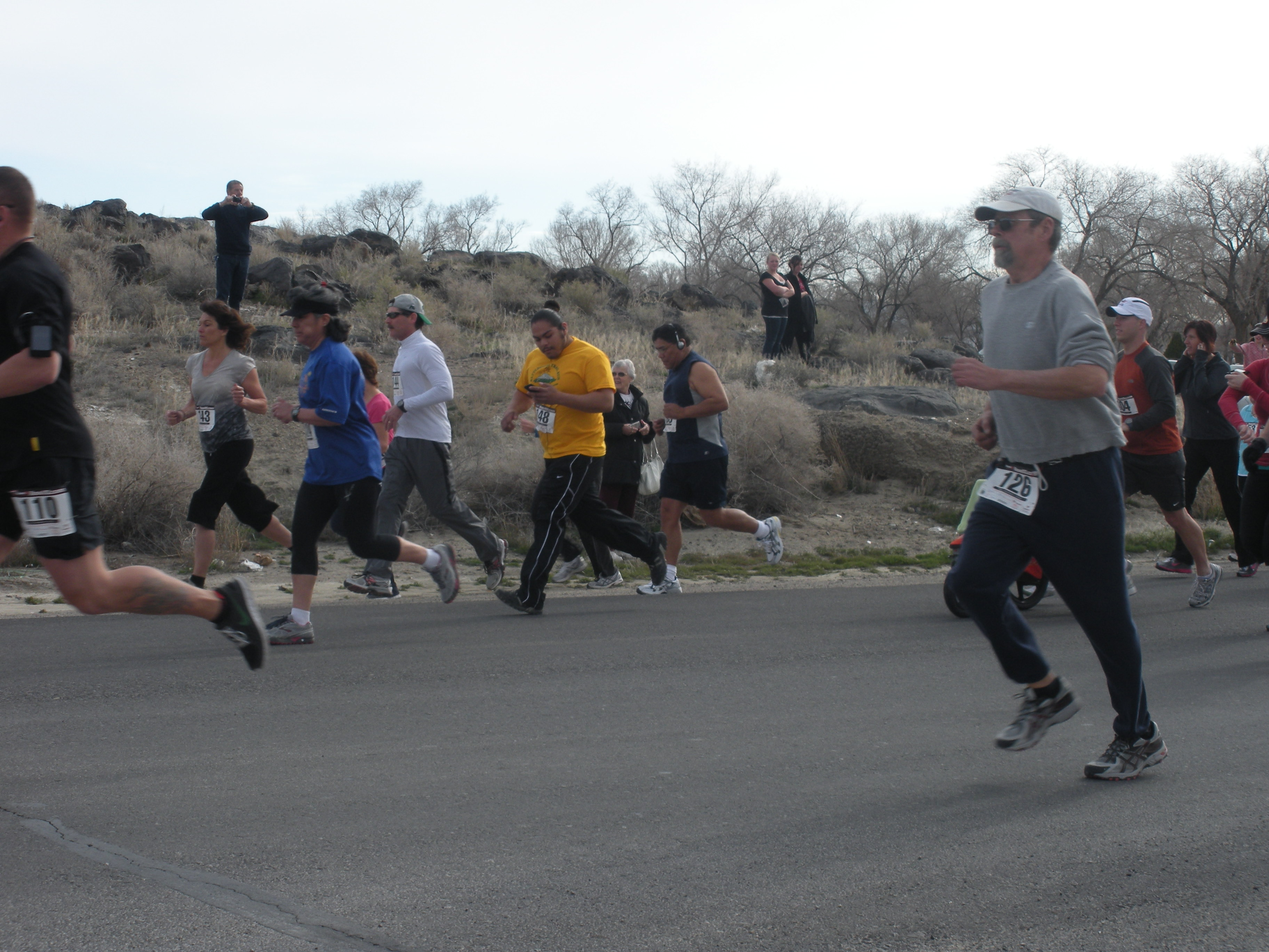 People Running in the Rattlesnake Trail 5K